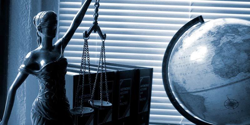 como elegir un abogado