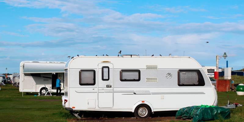 se puede vivir todo el año en un camping